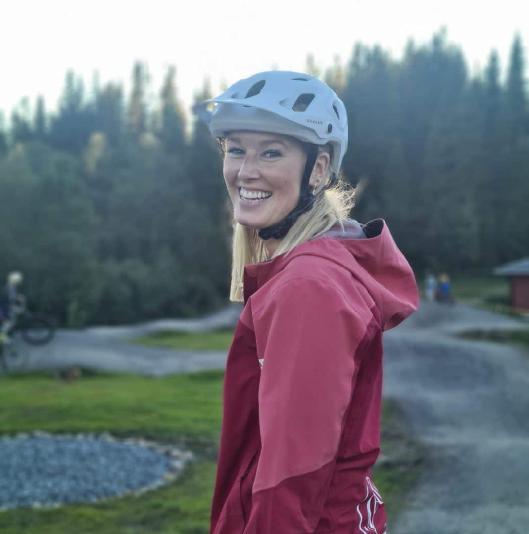 Åreguidernas skoter och cykelguide lisa andersson
