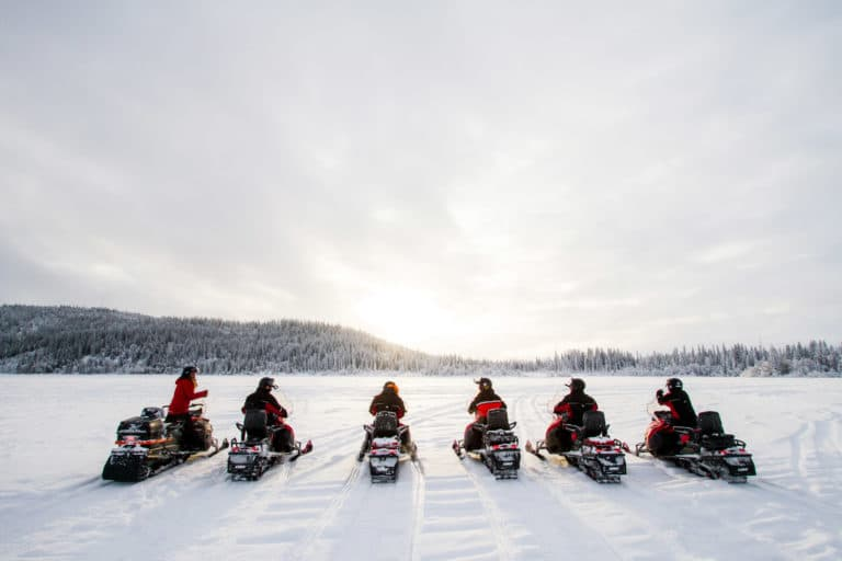 We offer magical tours with snowmobiles in åre and snowmobile rental.
